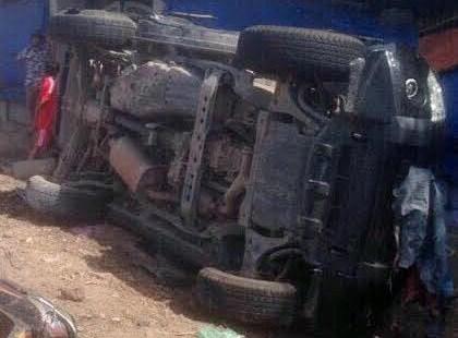 Chiếc xe chở tổ công tác của phòng PC46 Công an TP HCM gặp nạn (Ảnh B. Đọc)
