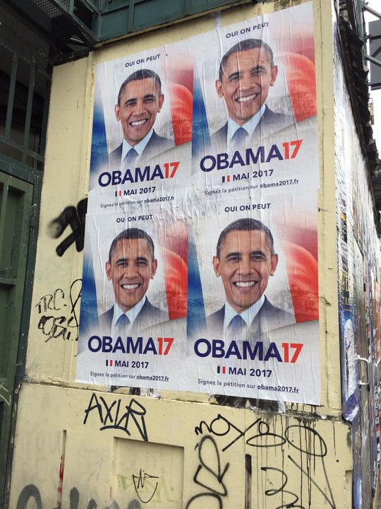 Poster của chiến dịch Obama17 trên đường phố Paris. Ảnh: Twitter