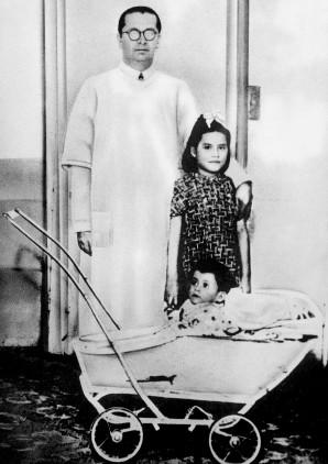 Lina Medina sinh con khi mới 5 tuổi. Ảnh: Reuters