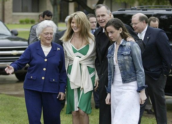 Cặp sinh đôi nhà Bush biết tới Nhà Trắng kể từ nhiệm kỳ tổng thống của ông nội. Ảnh: Daily Mail