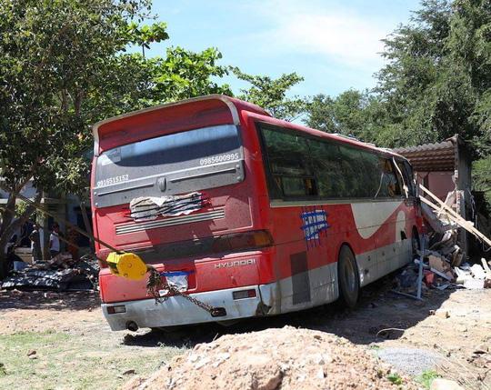 Một vụ TNGT xảy ra vào sáng 27-1 (30 Tết), trên Quốc lộ 1, thuộc địa bàn xã Hồng Sơn (Hàm Thuận Bắc – Bình Thuận)- Ảnh: Văn Hải