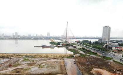 Quỹ đất trung tâm còn lại ít, đất ven sông Hàn được nhiều người tìm mua với giá rất cao
