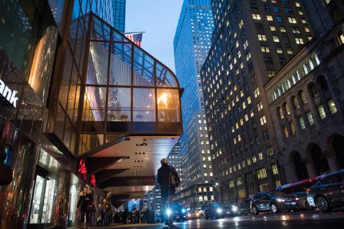 Nhà hàng của khách sạn Grand Hyatt New York. Ảnh: NYTimes
