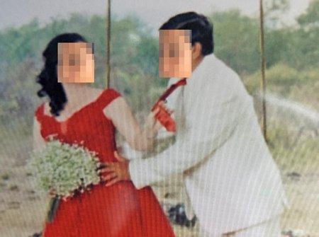 Cô K.L. và ông Hùng H. trong ngày cưới bị cho là trái pháp luật. Ảnh do con trai ông Hùng H. chụp