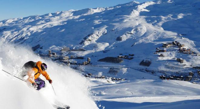 Đến xứ lạnh trượt tuyết để tránh cái nóng mùa hè. Ảnh: Worldalldetails.