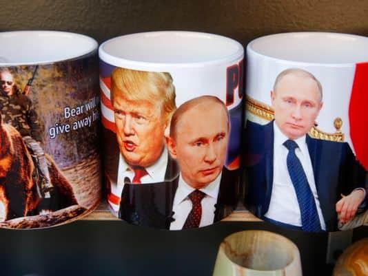Cuộc trao đổi giữa lãnh đạo Nga – Mỹ cũng sẽ là đề tài được phe chỉ trích ông Trump bám sát. Ảnh: AP