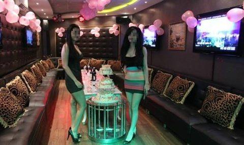Những bóng hồng xinh đẹp theo nghề PR karaoke