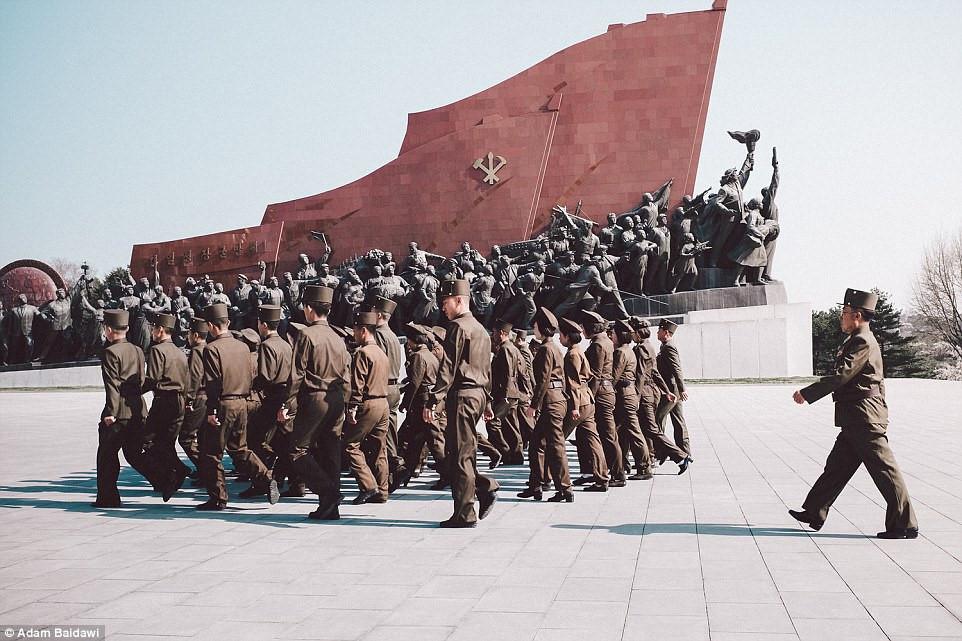 Phóng viên đóng vai du khách để chụp ảnh Triều Tiên