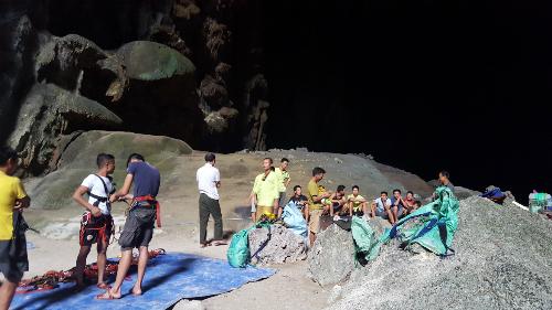 Trải nghiệm vượt Bức tường Việt Nam trong hang Sơn Đoòng - Ảnh 1.