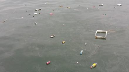 Kinh hoàng rác bủa vây vịnh Hạ Long - Ảnh 4.