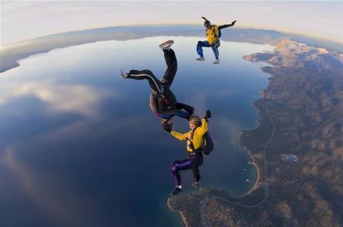 Nhảy dù đôi, du khách tử vong vì rơi tự do từ độ cao hơn 3.800 m - Ảnh 1.