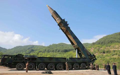 Tên lửa Triều Tiên có anh em song sinh ở Ukraine? - Ảnh 2.