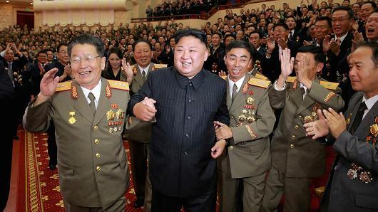 Tổng thống Donald Trump đặt biệt danh cho ông Kim Jong-un - Ảnh 1.