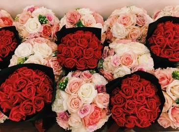 Vincom tôn vinh phụ nữ Việt với kim cương và hoa hồng - Ảnh 2.