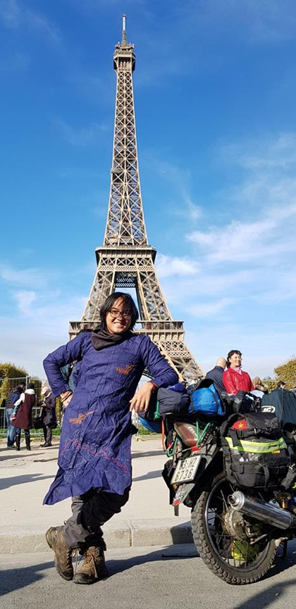 Chặng đường 20.000 km đi xe máy đến Paris của chàng trai Việt - Ảnh 1.