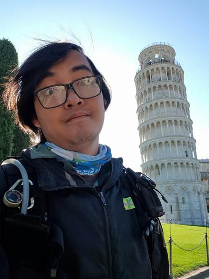 Chặng đường 20.000 km đi xe máy đến Paris của chàng trai Việt - Ảnh 2.