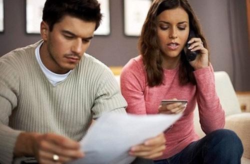 Vợ khóc thét khi chồng lương 40 triệu, phát tiền chợ mỗi ngày - Ảnh 1.