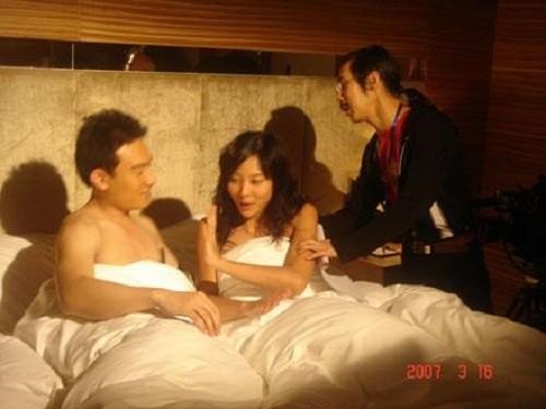 Hậu trường hài hước của những cảnh nóng trong phim Trung Quốc - Ảnh 1.