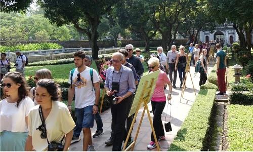 Vì sao khách quốc tế đến Việt Nam tăng kỷ lục - Ảnh 1.