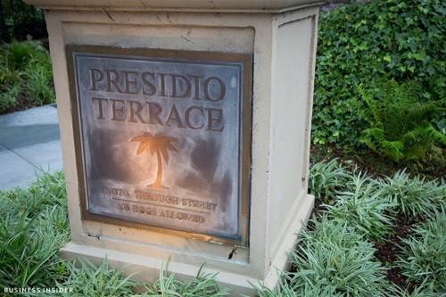 Cận cảnh khu phố nhà giàu tại Mỹ từng bị bán với giá 90.000 USD - Ảnh 11.