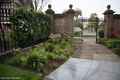 Cận cảnh khu phố nhà giàu tại Mỹ từng bị bán với giá 90.000 USD - Ảnh 12.