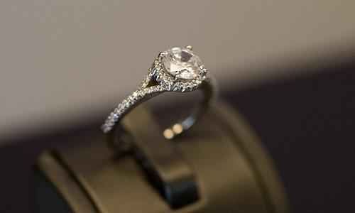 """""""Đột nhập"""" xưởng sản xuất nhẫn kim cương siêu đắt đỏ - Ảnh 13."""