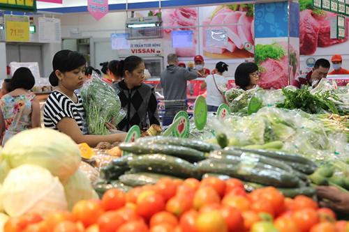 Nông sản Việt bị đội giá lên cao gấp nhiều lần bởi qua quá nhiều khâu trung gian Ảnh: Đ.N.T