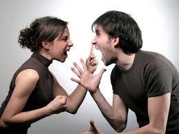 Vợ chồng thường xuyên cãi vã sẽ là lý do cho sự cặp bồ của chồng (ảnh minh họa)