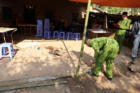 Lực lượng Kỹ thuật hình sự - Công an tỉnh Lạng Sơn tổ chức khám nghiệm hiện trường một vụ trọng án.