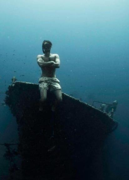 Cảnh ngoạn mục của xác tàu đắm dưới đáy biển Bali - Ảnh 4.