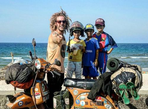 Những cú sốc của chàng trai phượt 40.000 km từ Italy đến Việt Nam - Ảnh 11.