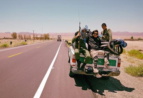 Chặng đường 20.000 km đi xe máy đến Paris của chàng trai Việt - Ảnh 3.