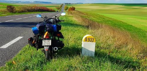 Chàng trai Việt đi xe máy đến Paris tiết lộ tổng kinh phí - Ảnh 3.