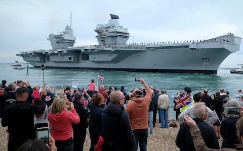 """Tàu sân bay lớn nhất của Anh """"uống"""" 200 lít nước biển/giờ - Ảnh 3."""