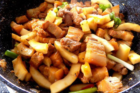 Thịt kho dừa non béo bùi khỏi chê - Ảnh 4.