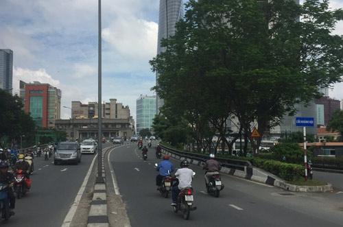 Cây cầu tình yêu 125 năm tuổi gây thương nhớ nhất ở Sài Gòn - Ảnh 4.