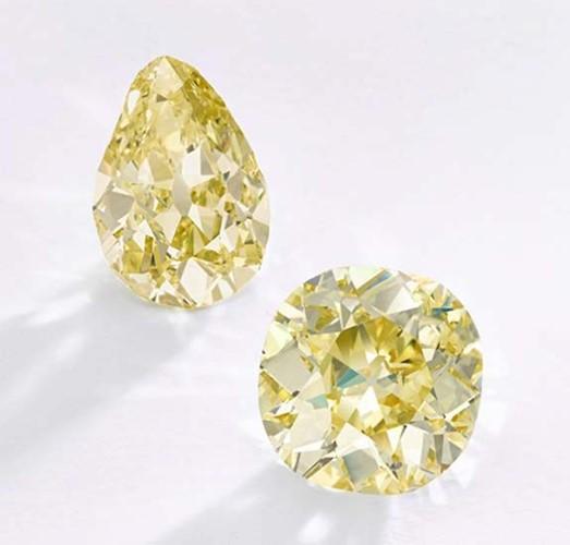Ngắm hai viên kim cương vàng lớn nhất thế giới đấu giá hôm nay - Ảnh 4.