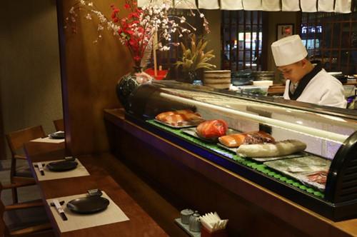 Hải sản Nhật đang bơi: Sáng ở Tokyo, chiều lên bàn nhậu Hà Nội - Ảnh 2.