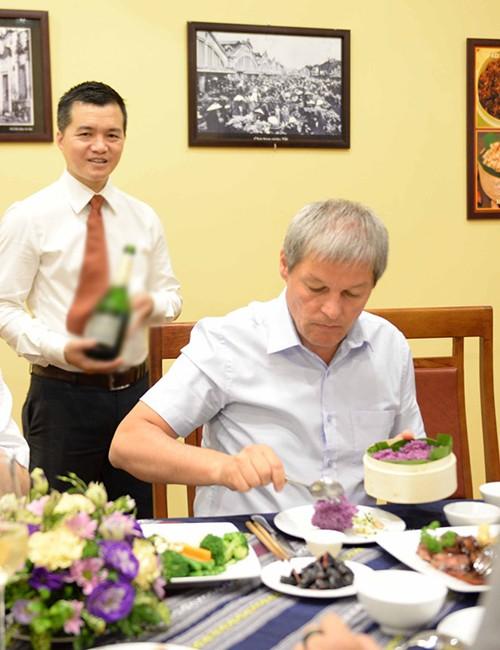 Nhà hàng, quán vỉa hè Việt Nam các chính khách từng ghé - Ảnh 6.