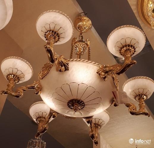 Ngắm đèn chùm giá nửa tỷ đồng thả dáng đẹp hút hồn - Ảnh 6.