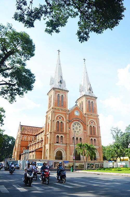 Ba điểm chụp hình miễn phí dịp Noel ở Sài Gòn - Ảnh 6.