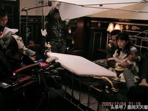 Hậu trường hài hước của những cảnh nóng trong phim Trung Quốc - Ảnh 8.