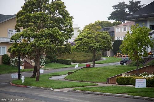 Cận cảnh khu phố nhà giàu tại Mỹ từng bị bán với giá 90.000 USD - Ảnh 8.