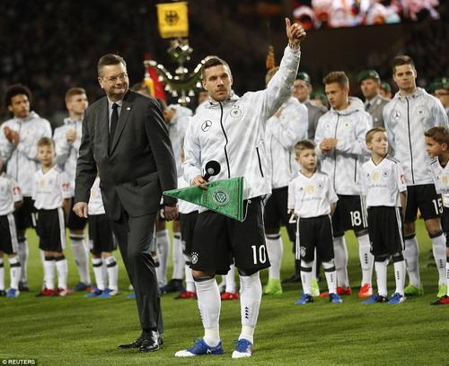 Trận đấu cuối cùng trong màu áo tuyển Đức của Podolski