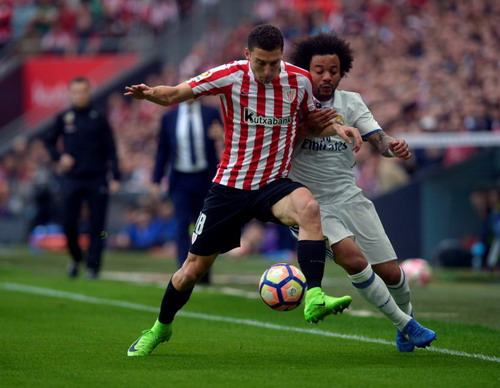 Marcelo vất vả với các chân sút Bilbao