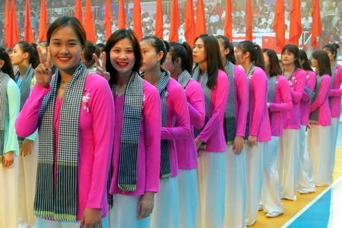 Các cô gái Thông tin LV Post Bank duyên dáng