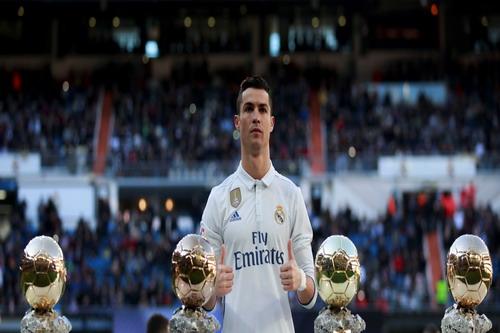 Ronaldo và 4 Quả bóng vàng