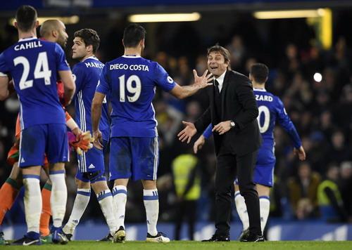 Antonio Conte tạo nên một Chelsea đoàn kết, thi đấu hiệu quả