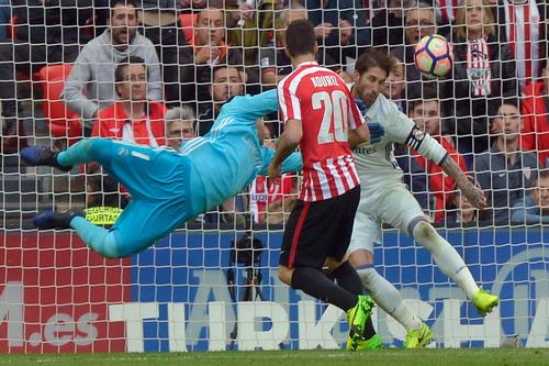 Aduritz gỡ hòa cho Bilbao
