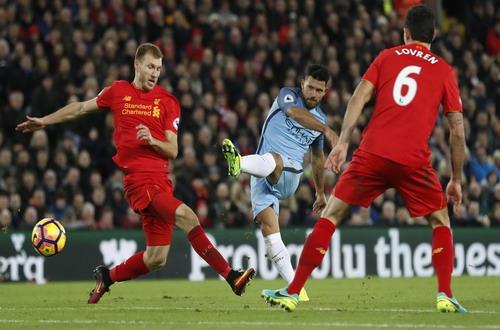 Aguero bất lực trong việc tìm kiếm bàn thắng